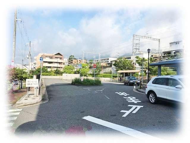 広い駅前ロータリー